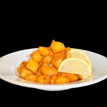 """</p> <div class=""""title_menu"""">POLLO AL LIMONE</div> <p>pollo fritto, limone farina C,A<br /><strong>6,50€</strong></p> <p>"""