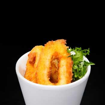 "</p> <div class=""title_menu"">IKA TEMPURA*</div> <p>calamari, uova, farina di tempura A,C,N<br /><strong>5,50€</strong></p> <p>"