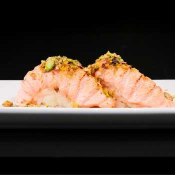"""</p> <div class=""""title_menu"""">NIGIRI FIAMMA# </div> <p>salmone appena scottato, salsa teriyaki, mayo, riso,pistacchio C,D,F<br /><strong>3,50€</strong></p> <p>"""
