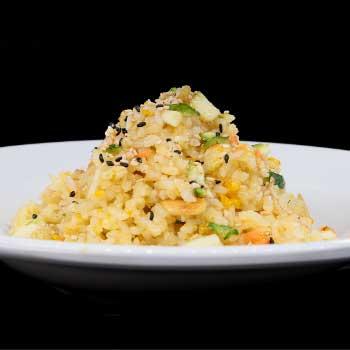 """</p> <div class=""""title_menu"""">RISO CON VERDURE</div> <p>riso saltato con verdure, uova C<br /><strong>4,50€</strong></p> <p>"""