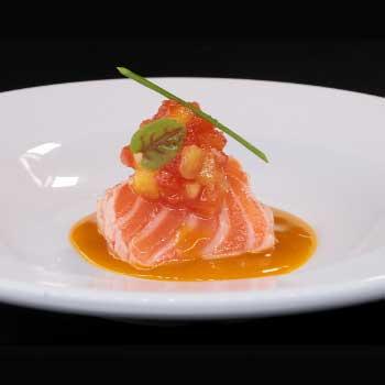 "</p> <div class=""title_menu"">SAKE TATAKI#</div> <p> salmone scottato,salsa sesamo D,K <strong>6,00€</strong>"