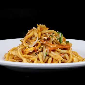 "</p> <div class=""title_menu"">SPAGHETTI CON VERDURE</div> <p> spaghetti saltati con verdure e salsa piccante, uova C,P <strong>5,50€</strong>"