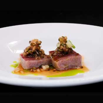 "</p> <div class=""title_menu"">TATAKI DI TONNO#</div> <p>tonno scottato,sesamo,salsa ponzu D<br /><strong>7,00€</strong></p> <p>"