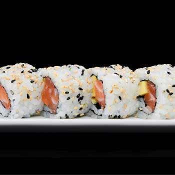 "</p> <div class=""title_menu"">URAMAKI SAKE AVOCADO</div> <p>salmone, avocado, alga e riso<br /><strong>5,50€</strong></p> <p>"