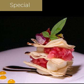 "</p> <div class=""title_menu"">Cruncy Truffle</div> <p> Sfoglia croccante tono maionese al tartufo</p> <p><strong>4,00€</strong>"