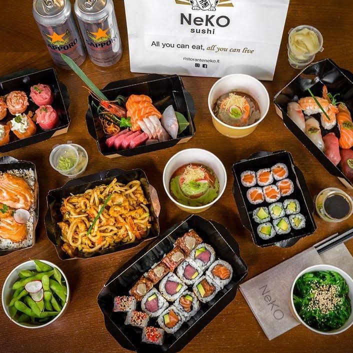 "</p> <div class=""title_menu"">BENTO S</div> <p> nigiri sake 2pz nigiri sake fiamma 2pz nigiri maguro 2pz hosomaki sake 6pz uramaki ebi tempura 4pz uramaki rucola 4pz tartare salmone mayo basil wakame tori yaki udon birra Sapporo 1pz</p> <p><strong>32,00€</strong>"